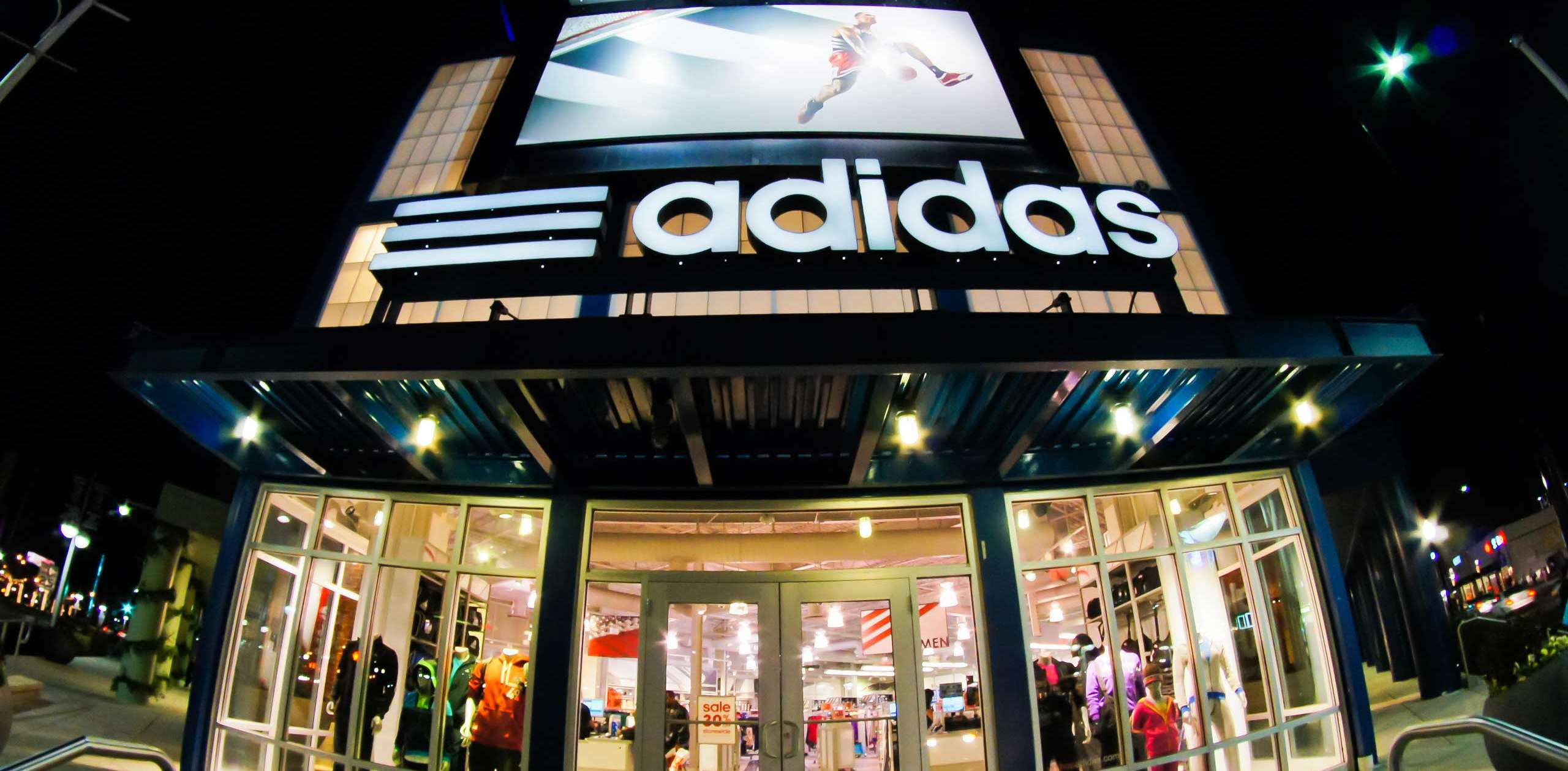 Helping a Sportswear giant become customer-obsessed